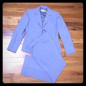 Le Suit Women's pantsuit, size 4P